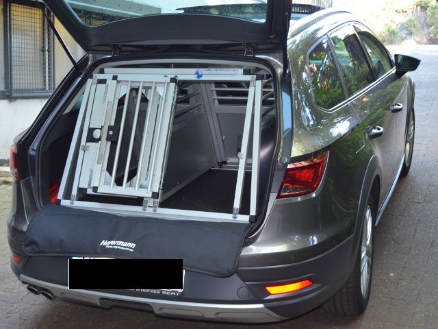 hundebox doppelbox f r seat leon 3 generation st mit. Black Bedroom Furniture Sets. Home Design Ideas