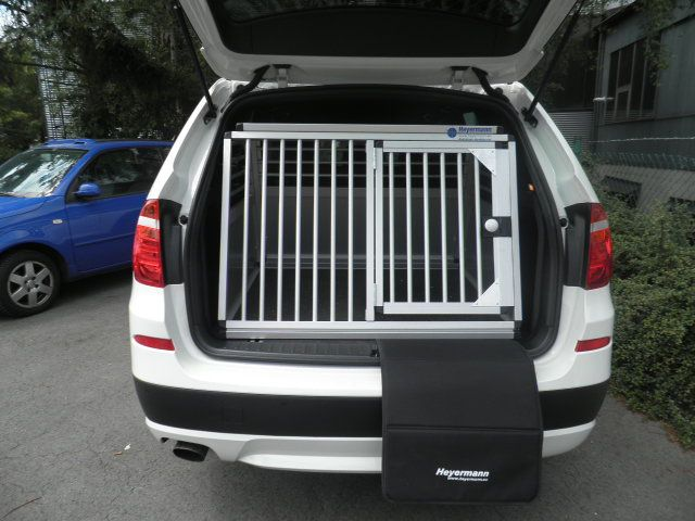 hundebox einzelbox f r bmw x3 f25 sonderbau 17 599 00. Black Bedroom Furniture Sets. Home Design Ideas