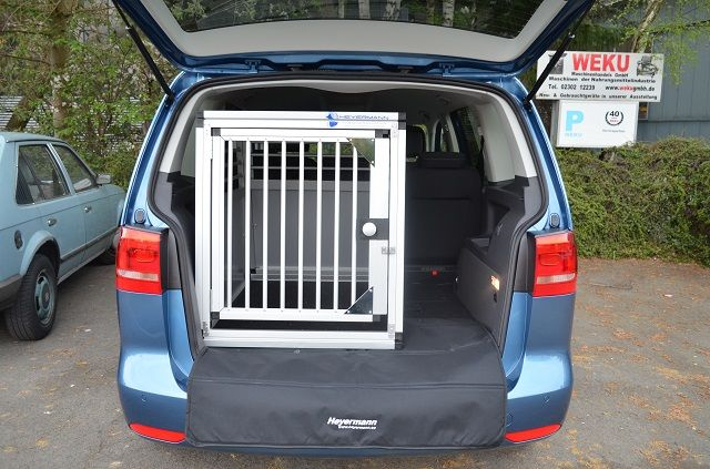 hundebox einzelbox f r vw touran 1 5 sitzer mit. Black Bedroom Furniture Sets. Home Design Ideas