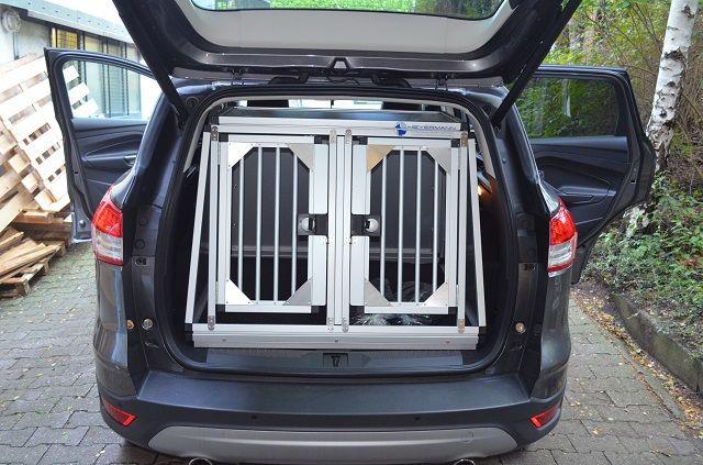 individuelle hundetransportbox doppelbox f r ford kuga 2 gener. Black Bedroom Furniture Sets. Home Design Ideas